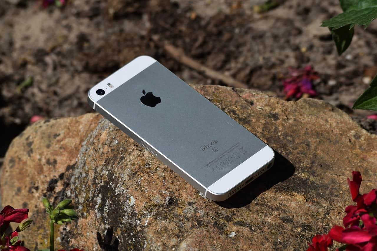 Iphone op rots