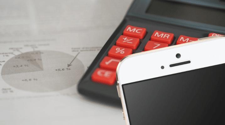 Mobiele telefoon en rekenmachine